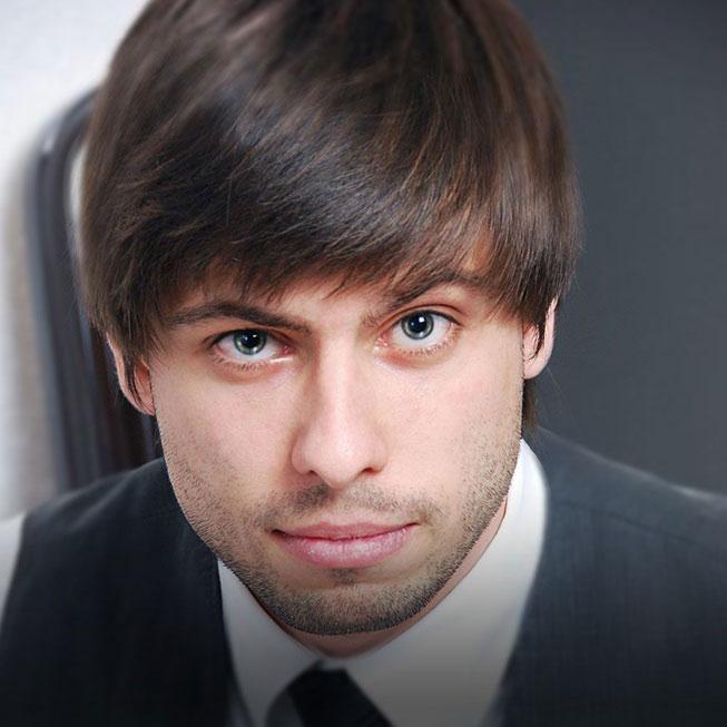 Артем Шапошников
