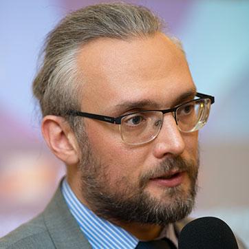 Анатолий Суздальцев