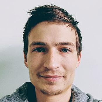 Антон Швейнов