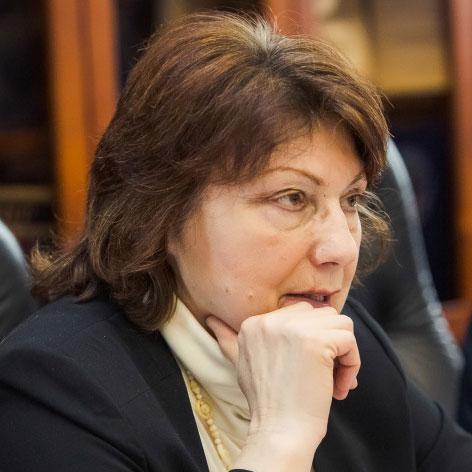 Людмила Хлюснева