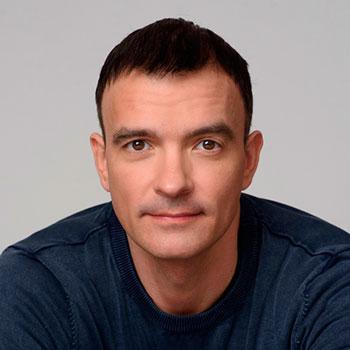 Максим Овчаренко