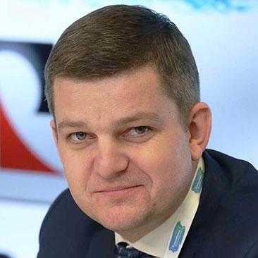 Роман Карманов